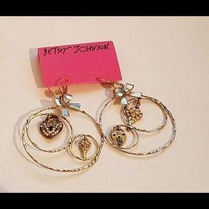 New BETSEY JOHNSON Heart & Key Hoop Earrings